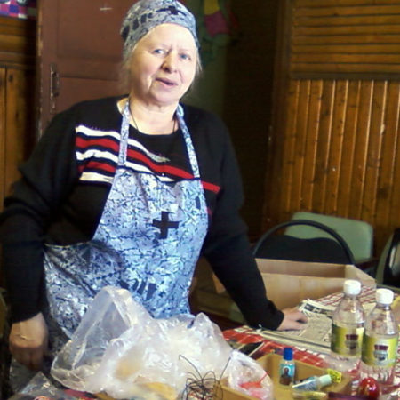продавец иконной лавки В. В. Шмагарева